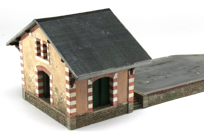 Maquette de la halle ouest en Magiplast au HO 1/87