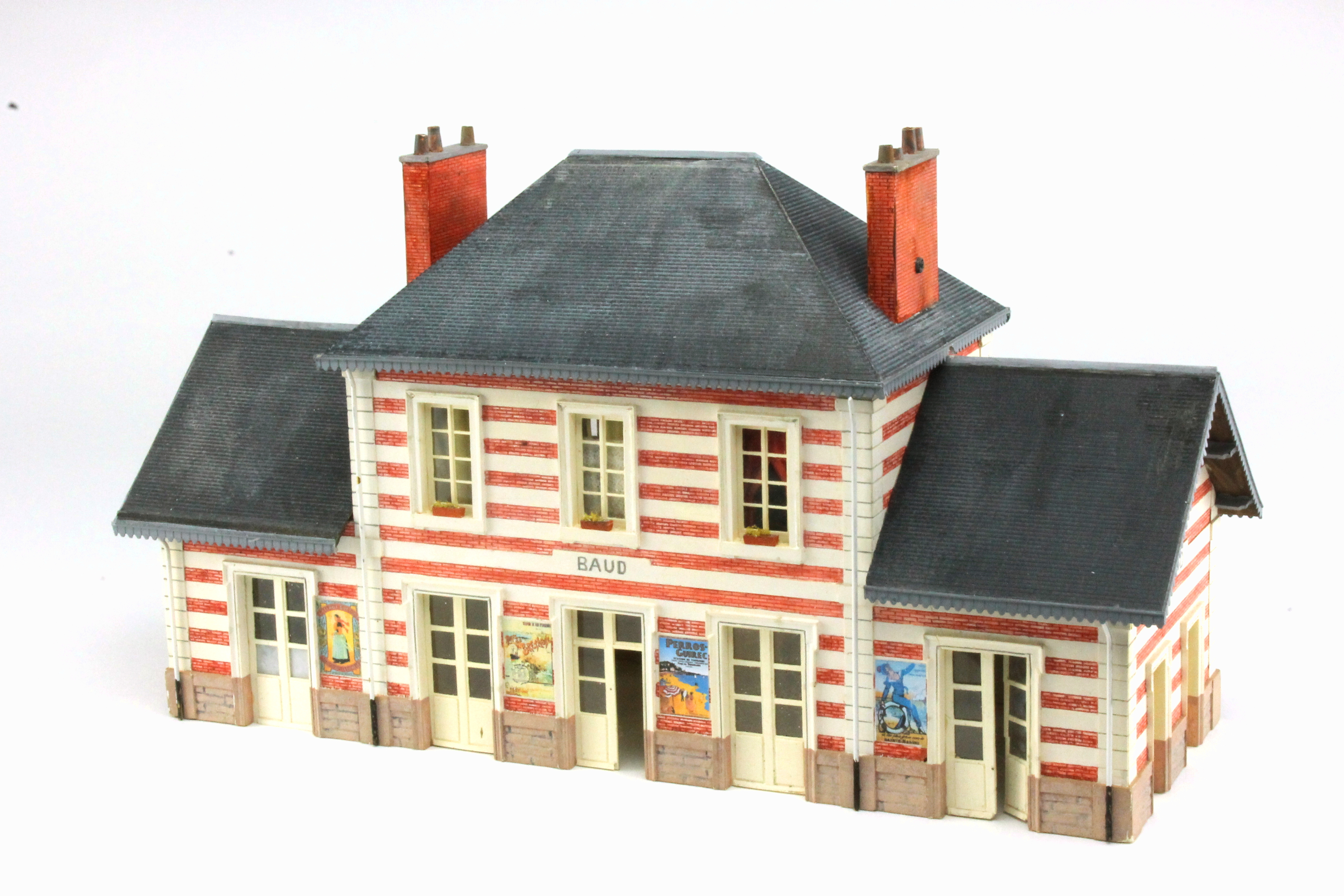 maquette gare voyageures PO ouest BV baud HO 1/87